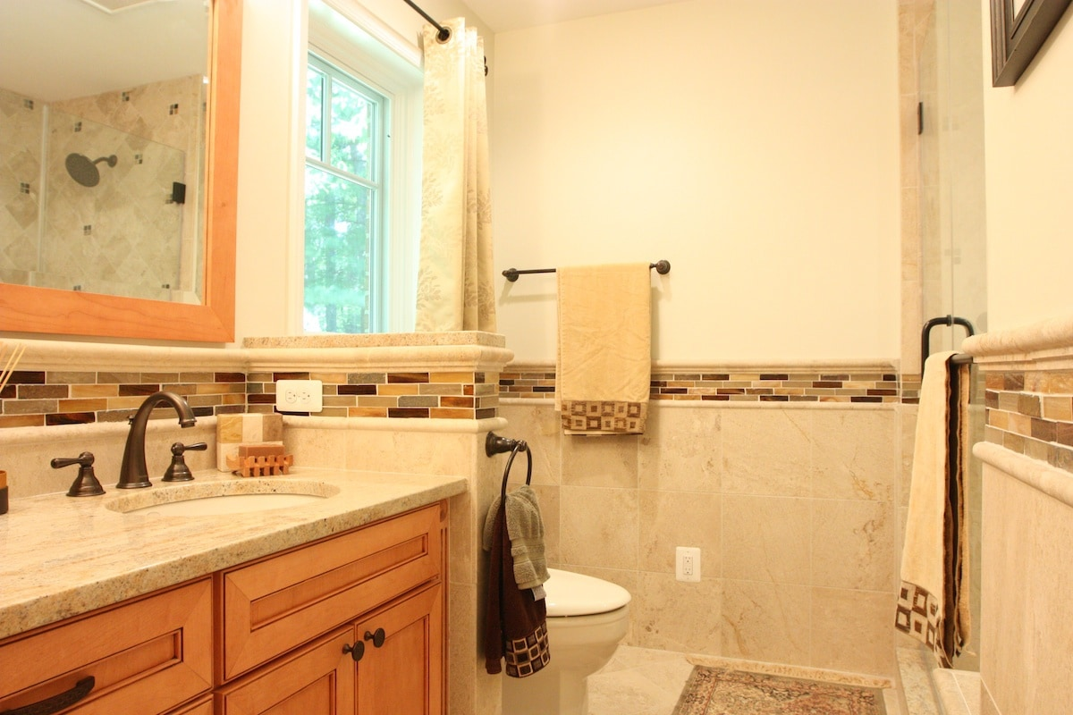 Tucker Master Bathroom - Hambleton Construction (4)