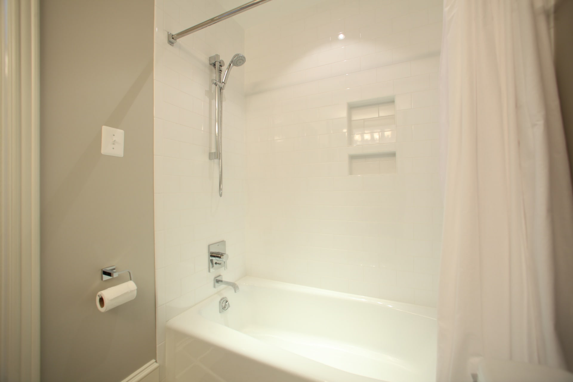 Wiseman Bathrooms - Hambleton Construction (6)